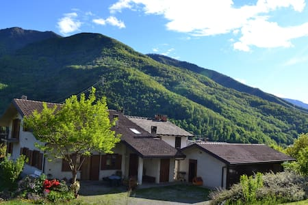 Beautiful house in the mountains 4b - Castelnuovo-combalere - บ้าน