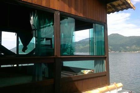 Casa sobre o mar em mangaratiba - Mangaratiba