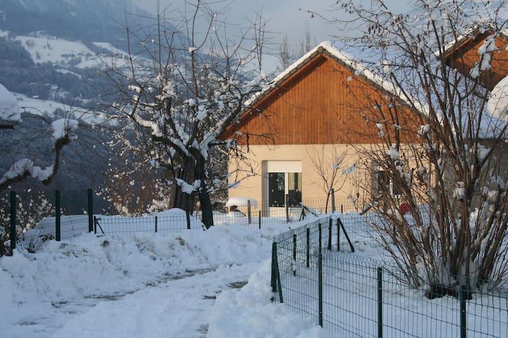 Maison proche des stations de ski - Césarches - Casa
