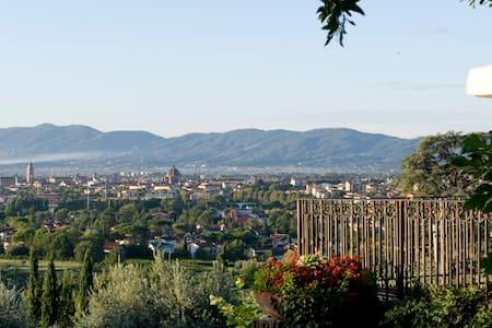 Villa toscana con spendida veduta - Pistoia