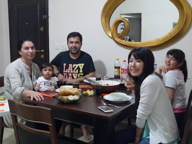 you can stay with a cute family - İstanbul - Bed & Breakfast