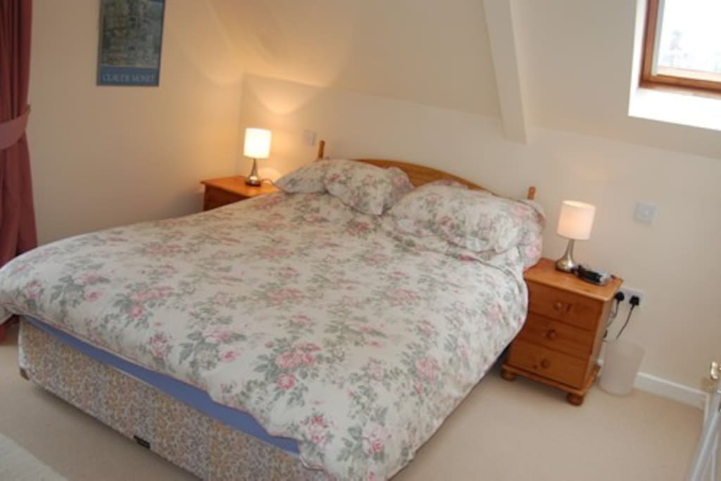 Large Double en suite with room for travel cot if required