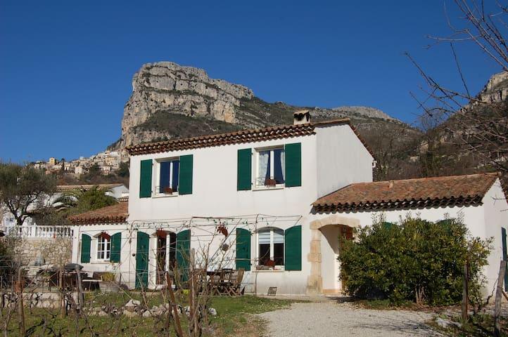 Maison aux portes des Baous - Saint-Jeannet - Hus