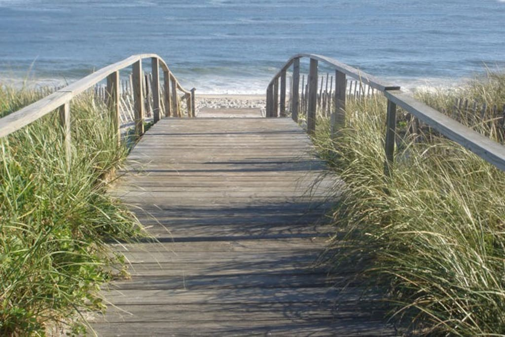 Your entrance to the beach on Greene Walk ... Just steps from your apt!