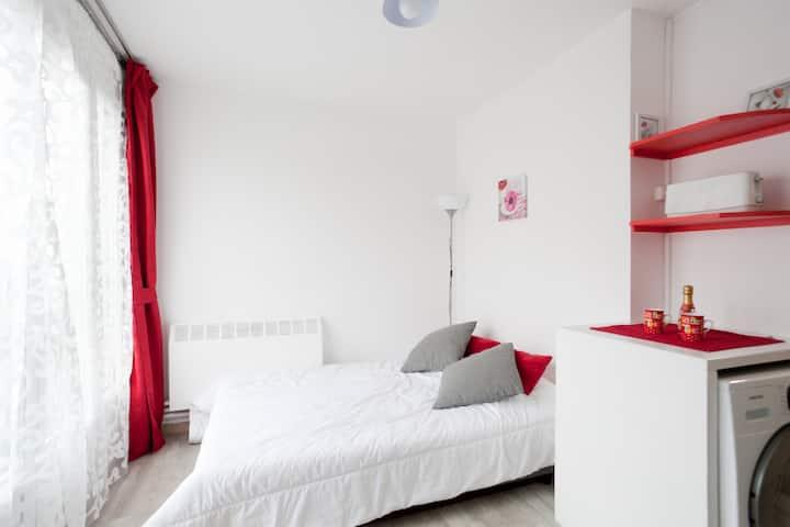 ⭐ Nice little flat at PAris 13 Door, 20 m Metro