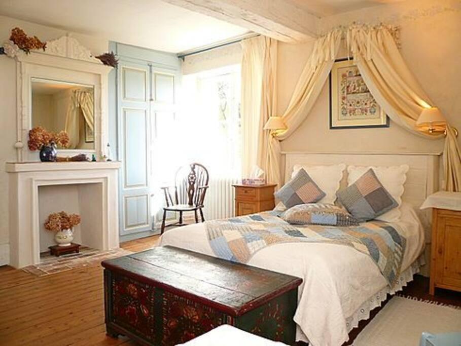 Clos de la rose double triple room chambres d 39 h tes - Chambre d hotes le poteau rose ...