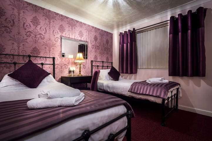 4 Star service with Style - Sunderland - Bed & Breakfast