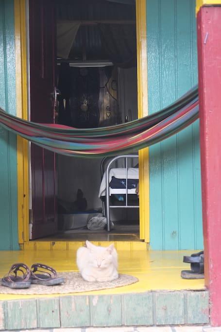 la chambre qui donne sur la terrasse