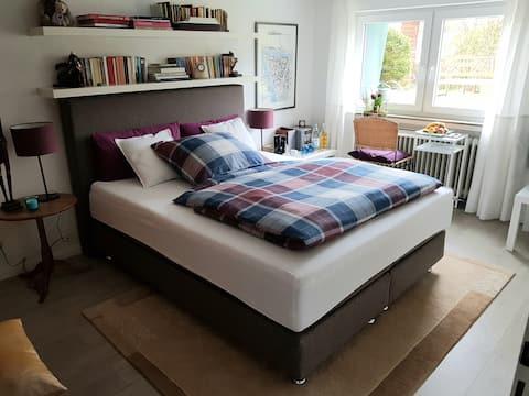 KO-Arenberg / ruhiges Privatzimmer mit eigenem Bad