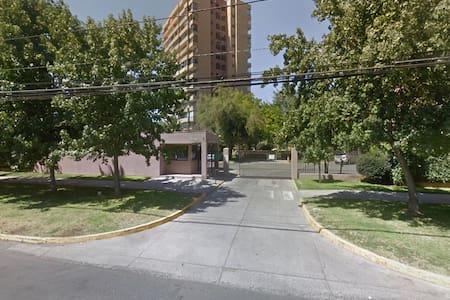 Excelente ubicación de Santiago y acceso al Metro - Santiago - Wohnung