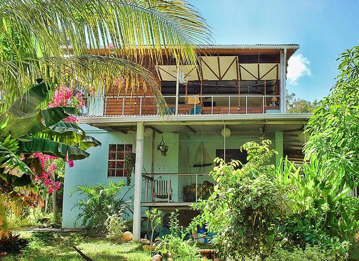 Garden house close to the beach