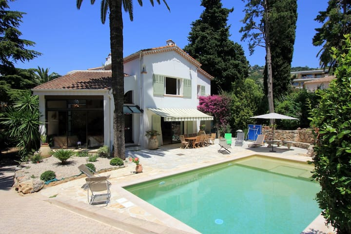 Spacious house with big swimming pool and garden - Cannes - Maison