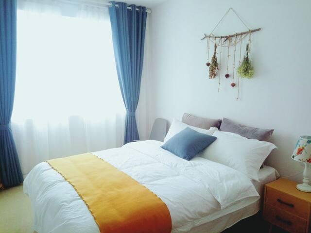山景安静舒适大床房