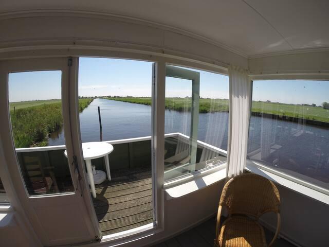 Nostalgische woonboot - Nijhuizum - Cottage