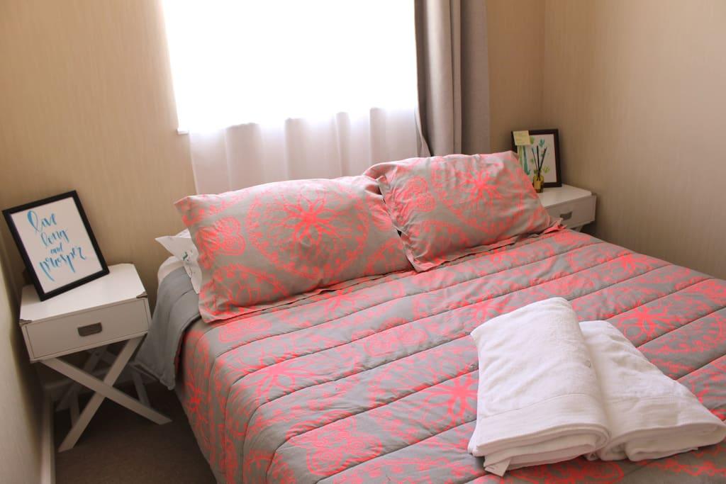 Your room / Tu Habitación