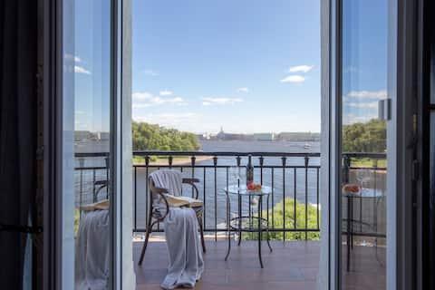 Уникальные апартаменты с видом на Эрмитаж