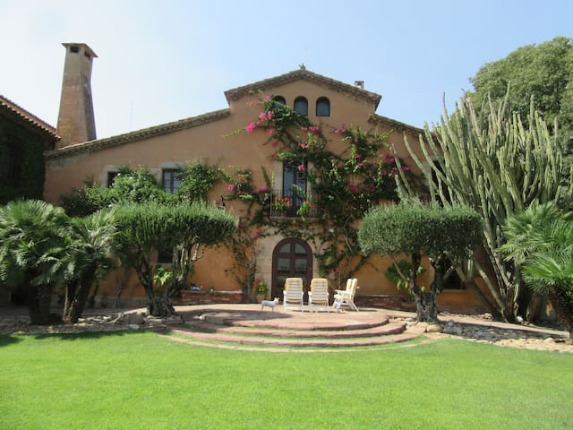 15th century Country House Villa - Barcelona
