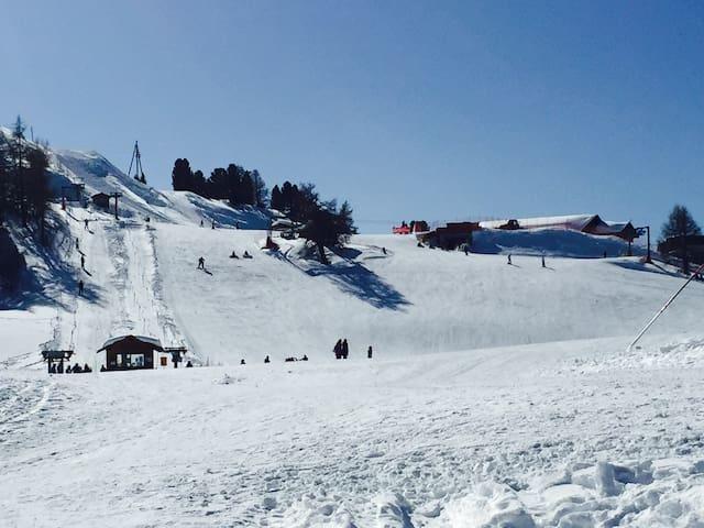 Appartement de 100m2 sur les pistes de ski - Vex - Apartamento