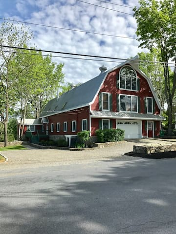Barn House of Warwick, 1 br apt- Spring Discount