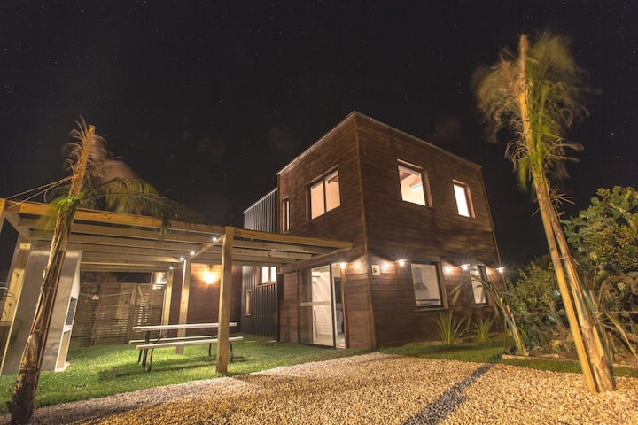 Moderna cabaña en La Paloma. SOLAR 3