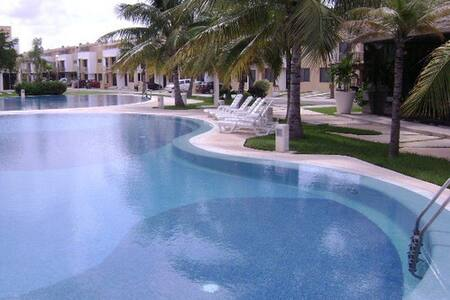 Nice room in Cancun + Swimpools - カンクン