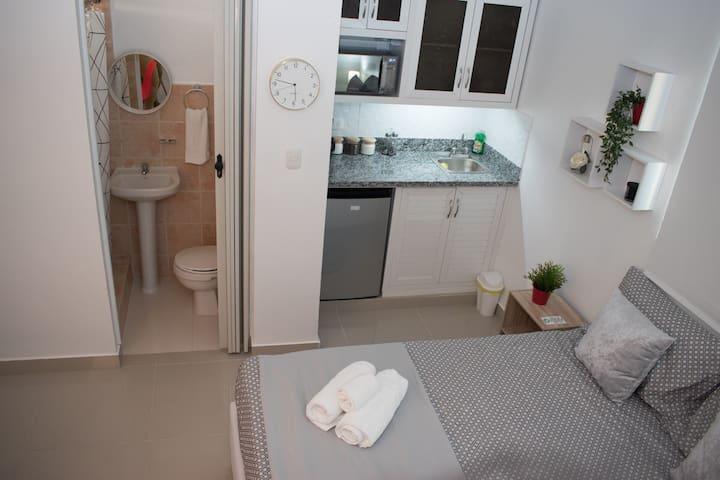 Ana & Arturo Place  Private Room
