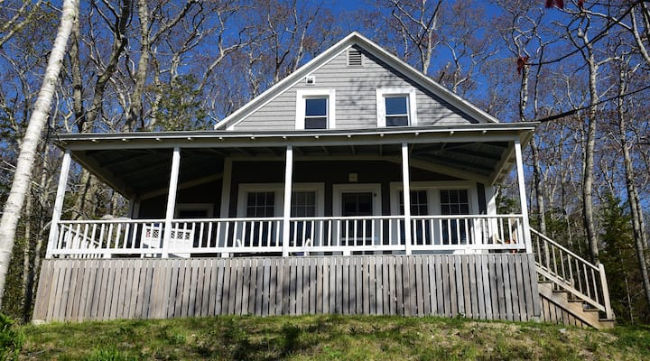 (#29) - Cliffhanger Cottage in Chamberlain, with dramatic ocean views and steps from Rachel Carson Salt Pond Preserve