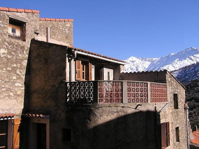 Maison de village Corse - Aregno - Casa