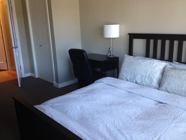 Queen size bed and desk