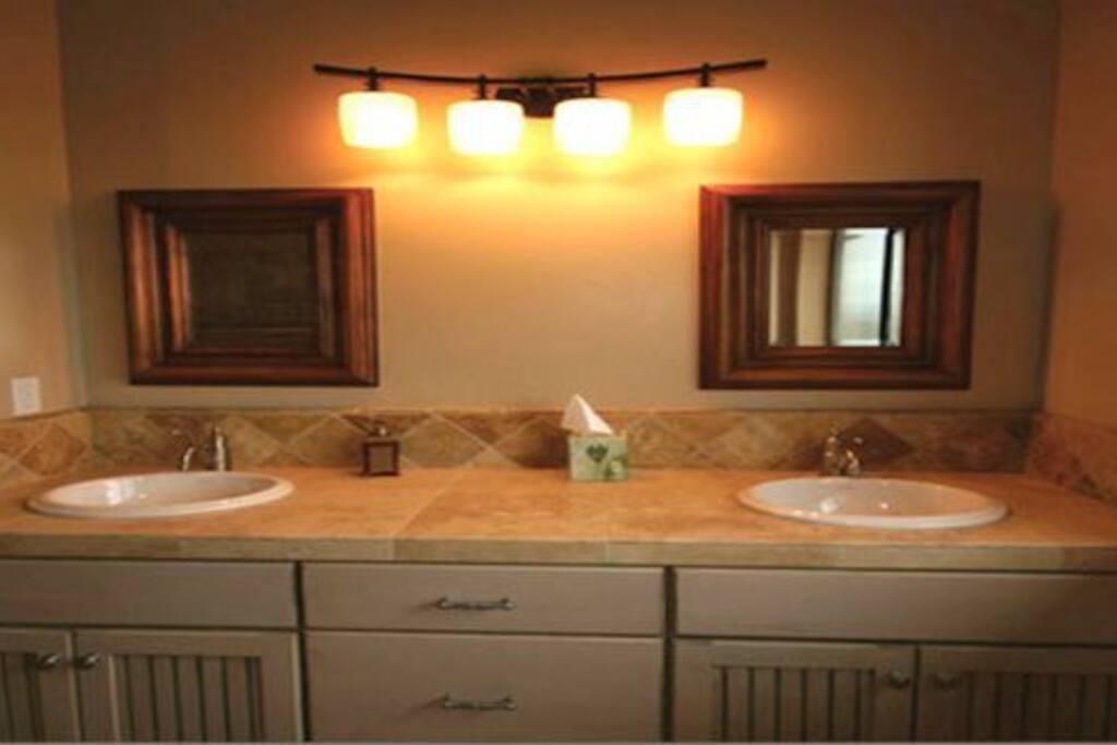 Venice Bathroom