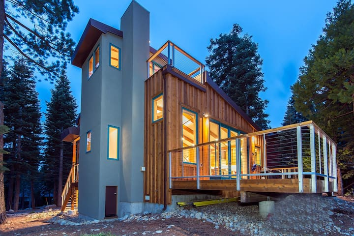 Eco View - LakeView Home w. Hot Tub - Tahoma - Hus