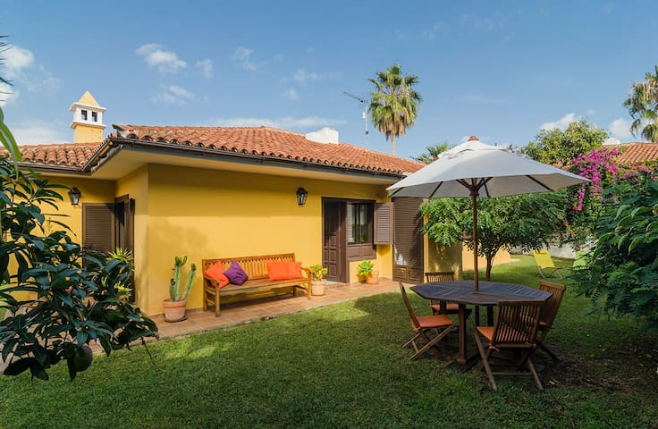 """Casa Lava""a charming place to stay - Puerto de la Cruz - Huis"