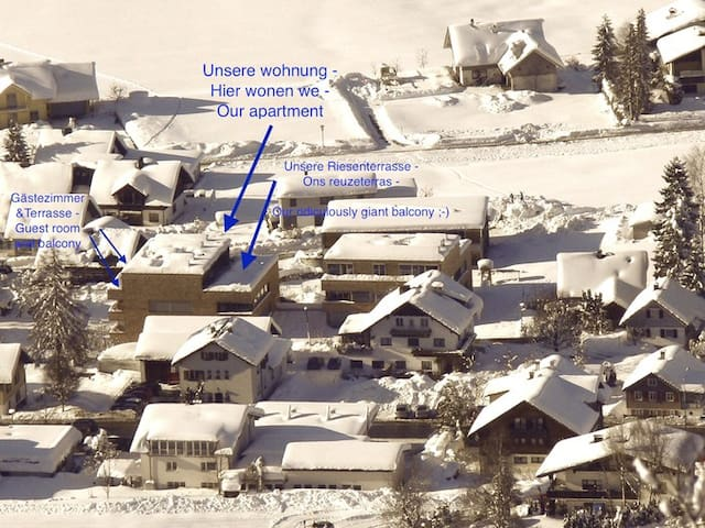 Tour skiing, langlauf and a small skiing area (also rental equipment)  are close by. / Tourenski, Langlaufen und Mini-Skigebiet mit Übungshang fast vor der Haustür. Sportgeschäft mit Materialverleih ist um die Ecke. Alles zu Fuß erreichbar.