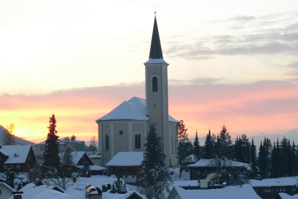 Skiing, tour skiing and langlauf possibilities are very near