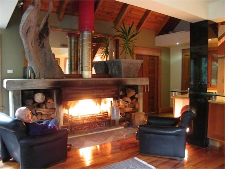 Lounge with expansive open fire place