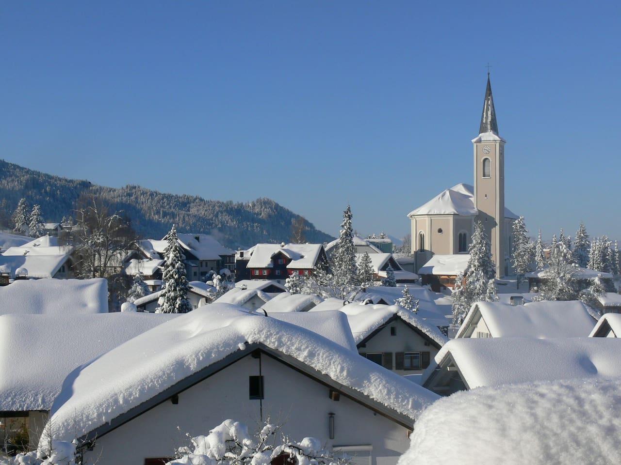Winterwonderland!  View from the guestroom / Aussicht vom Gästezimmer