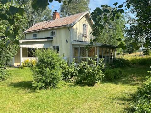 Casa perto de Hallstaberget
