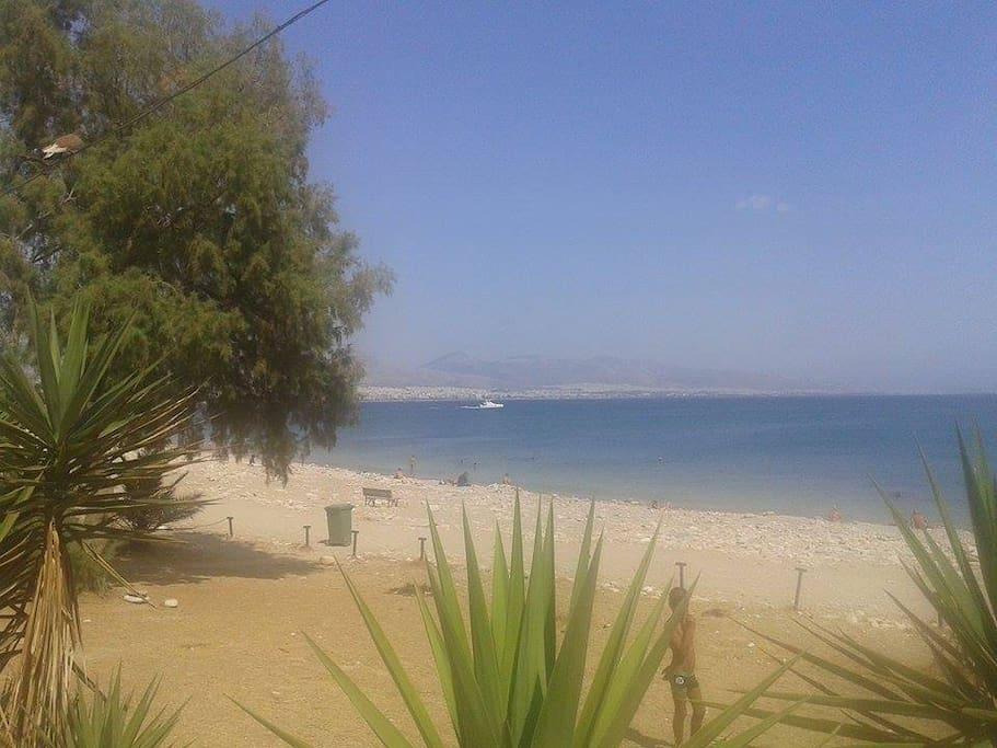 Пляж расположен в 10 мин. ходьбы от дома
