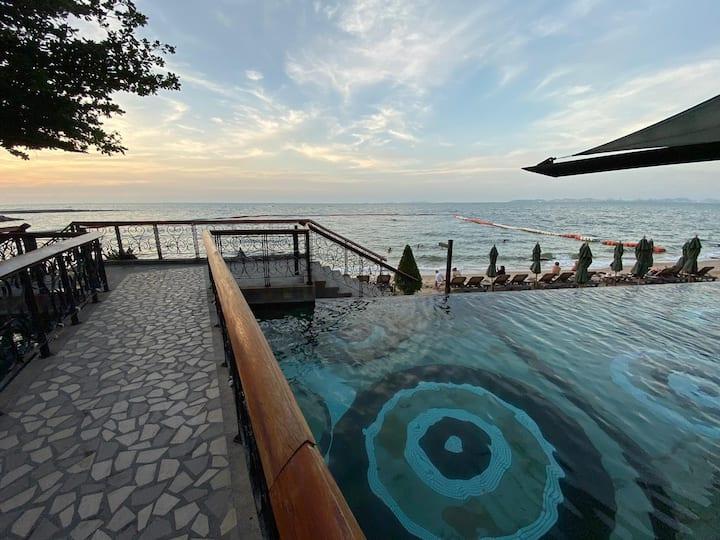 公寓#1位于芭堤雅Wongamat海滩,超美日落,邻近真理寺,领略暹罗木雕精髓
