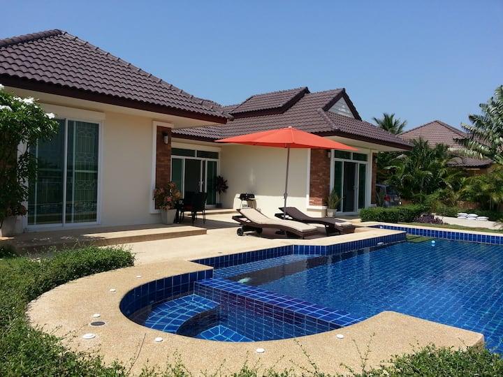 villa avec piscine a louer a hua-hin