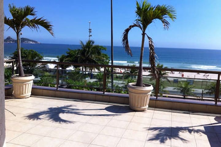 RIO DE JANEIRO, Barra da Tijuca, Frente mar