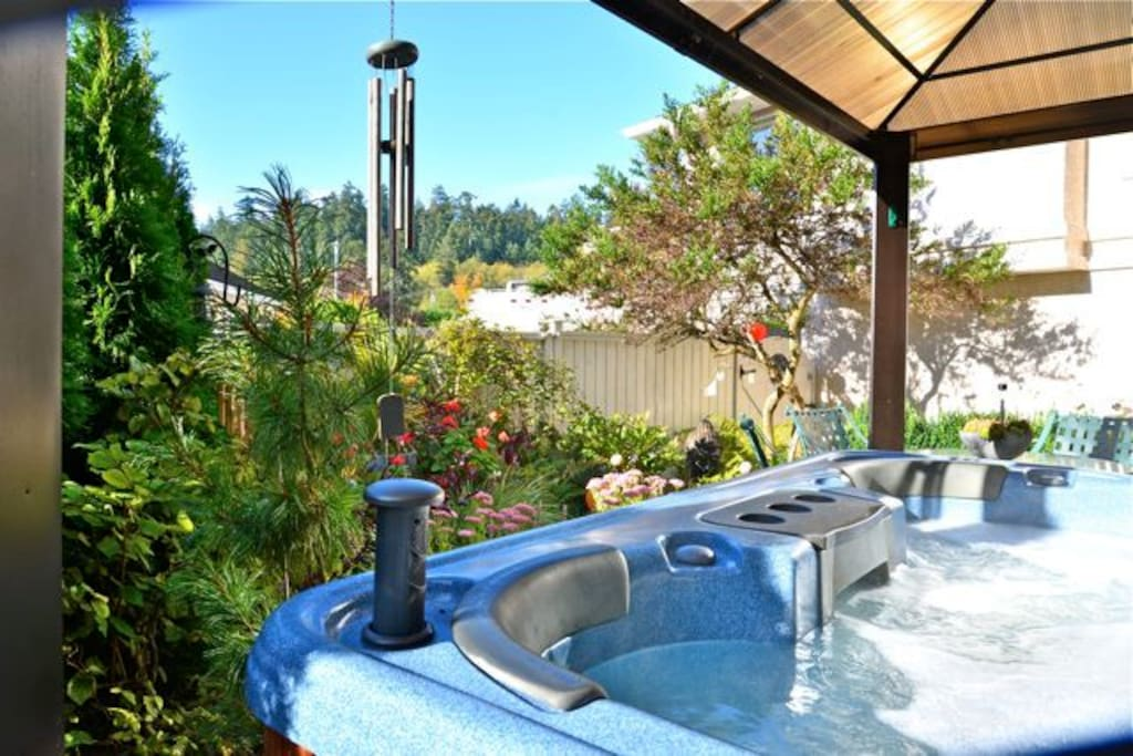 Registered guests only jetted hot tub. 24/7 year round.