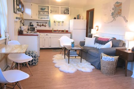 The Nook on 6th - Downtown Studio - Juneau - Huoneisto