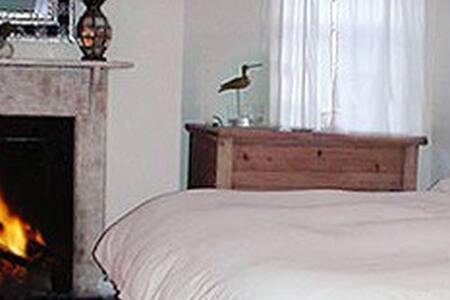 Driftwood @ Hermosa Lodge - Water Mill - Bed & Breakfast