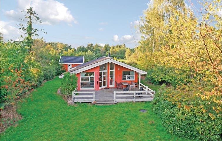 Holiday cottage with 3 bedrooms on 86m² in Eskebjerg