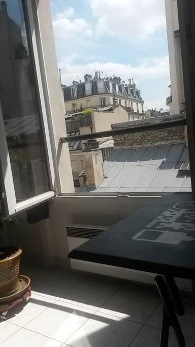 fenêtre côté cour et sud (pièce cuisine)