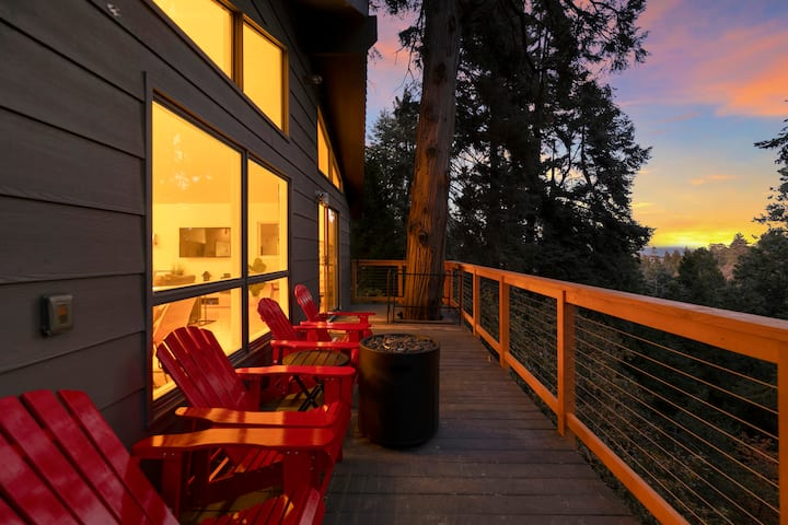 Sanitized Treehouse Private w/forest view by Lake