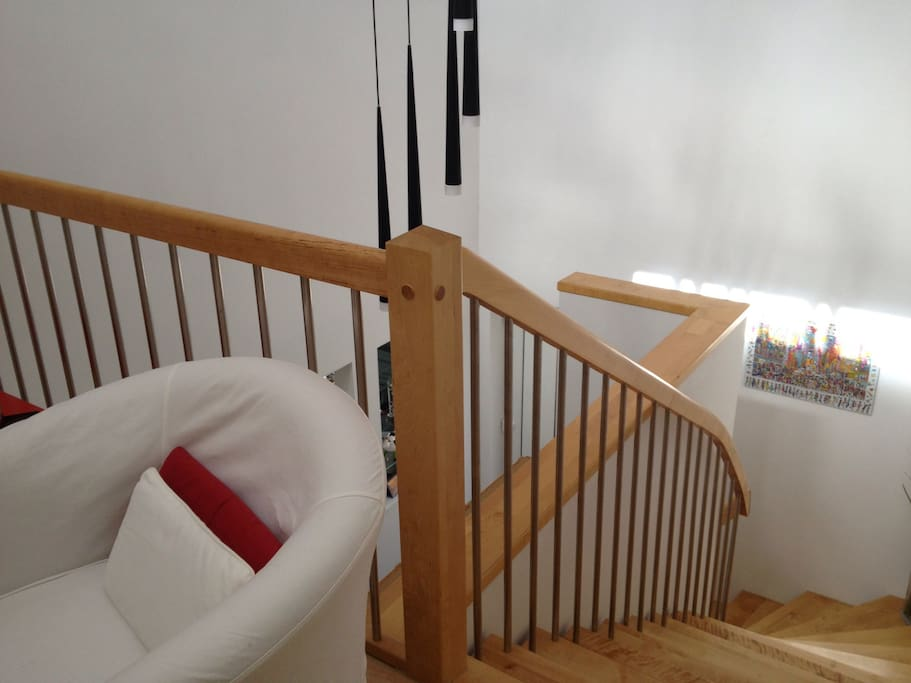 Stiegenaufgang zum 1. OG inkl. kleiner Sitzecke
