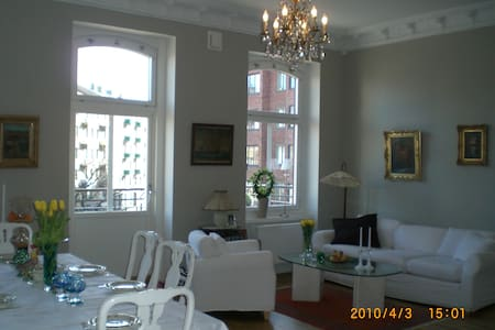 B&B in a big central apartment