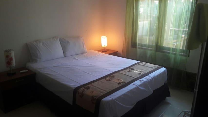 Singgapur Room 1.  FREE BIKES!! - North Lombok Regency - Dům